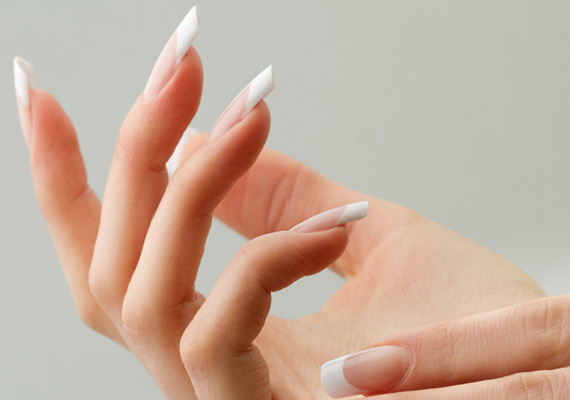 Bio Sculpture Nail Gel is a one component nail treatment that strengthens and promotes the growth of natural nails.
